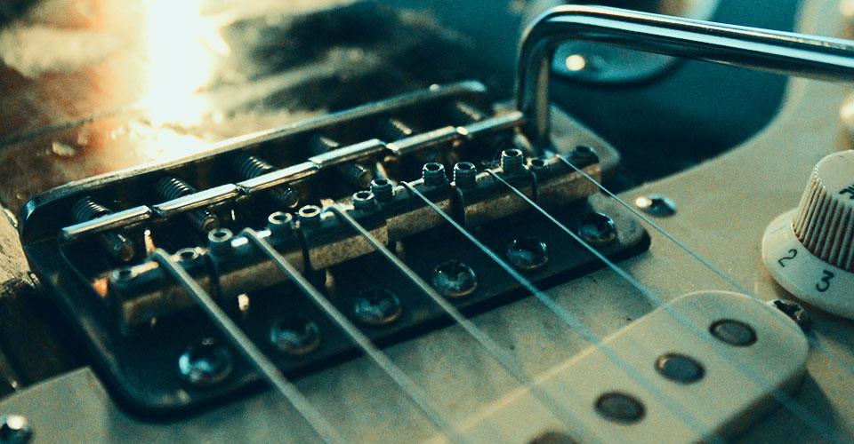 chitarra elettrica stratocaster ponte bridge setup