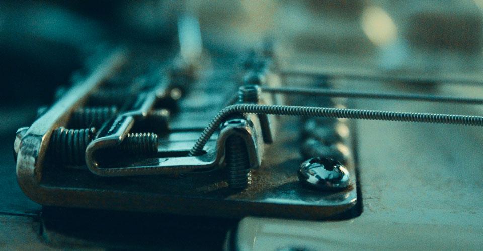chitarra elettrica stratocaster ponte bridge setup floating flottante