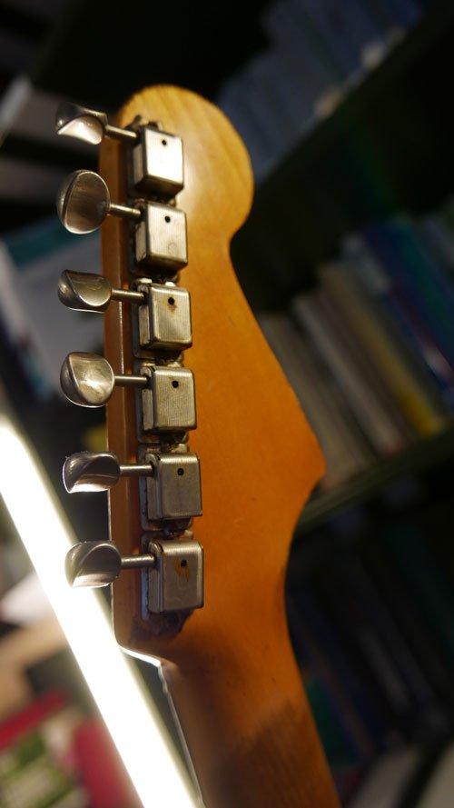 buttarini stratocaster paletta headstock meccaniche vintage vintage tuning machines